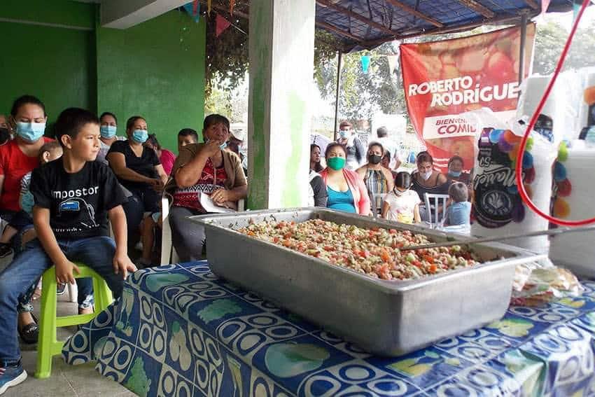 "Roberto Rodríguez lleva el programa ""Comida Sana"" a Santa Fe en Mazatlán"